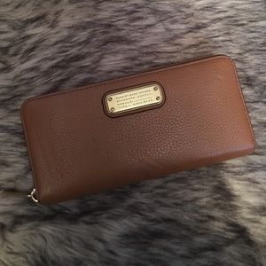 BRAND NEW Marc Jacobs caramel leather wallet